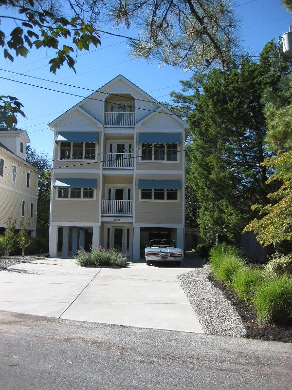 Exterior Front - 5 Bedroom Beach House - professionally decorated - Rehoboth Beach - rentals