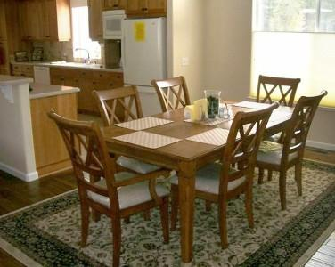 Dining room with mountain view - Lovely home 8 Mi to Sierra Ski Ranch Lake & CLubs - South Lake Tahoe - rentals