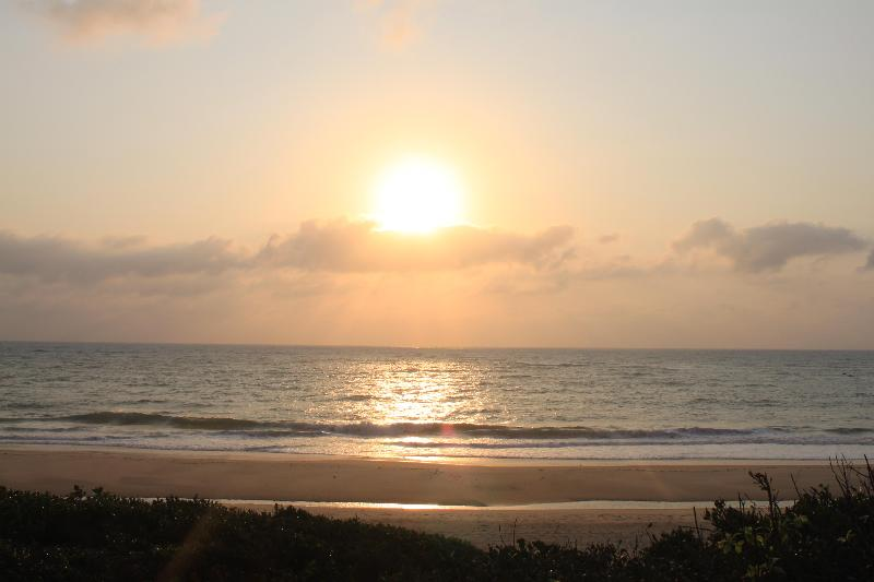 Sunrise - Beach front lodge in Moz with self catering units - Inhambane - rentals