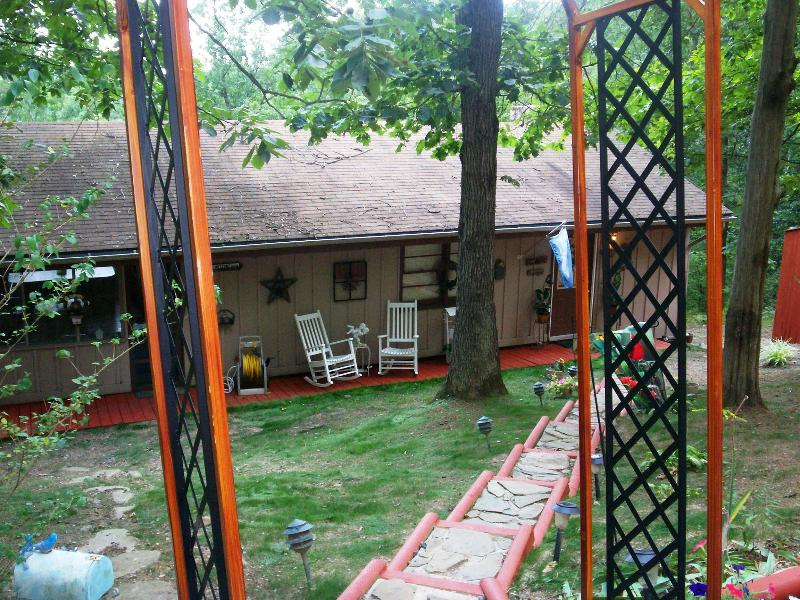 Romantic Cottage - Romantic Cottage for Two - Luray - rentals