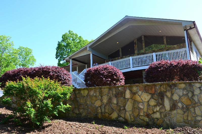 Front of Main Building at Yewit Center - Vacation Rental Event Venue in North GA Mountains - Young Harris - rentals