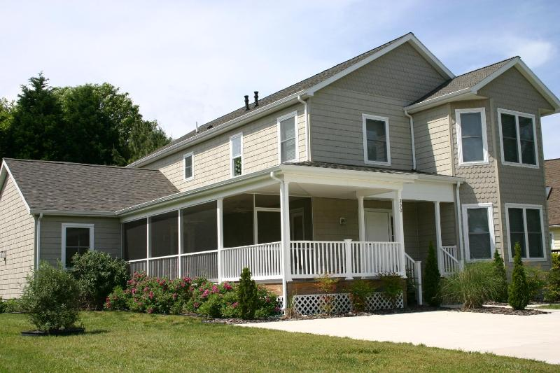 Front View - 6 Bedroom House in Bethany Beach, Sleeps 19, Wi-Fi - Bethany Beach - rentals