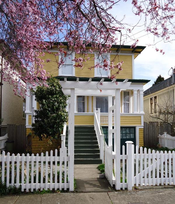 Classic heritage house in quiet neighbourhood - Classic 3 bedroom house with Hot Tub in FAIRFIELD - Victoria - rentals