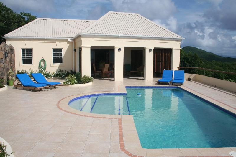 3 Bedroom luxury villa with private pool Bequia - Image 1 - Bequia - rentals