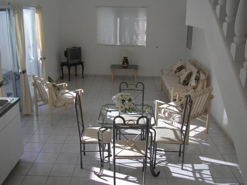 LOUNGE/Dining Area - Casa Dawn--Private Pool,  Special 3 Mths + Rates WI FI AND SAT - La Cruz de Huanacaxtle - rentals