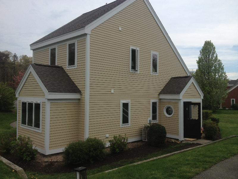 "Welcome Home - Immaculate Ocean Edge ""A"" Howland Townhome - Brewster - rentals"