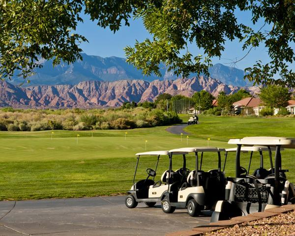 Public Golf 5 Minutes Away - Gateway to National Parks - St George Condo - Saint George - rentals