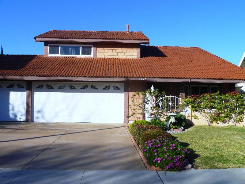 DISNEY HOME - 5 bedrooms/3 baths/pool/spa/sauna - Image 1 - Anaheim - rentals