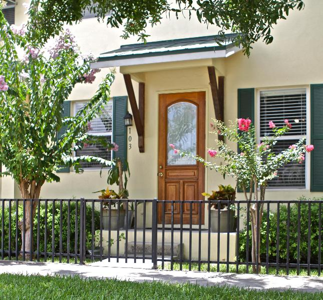 Front door - 3BD Townhouse Minutes to Downtown Tampa, RNC 2012 - Tampa - rentals