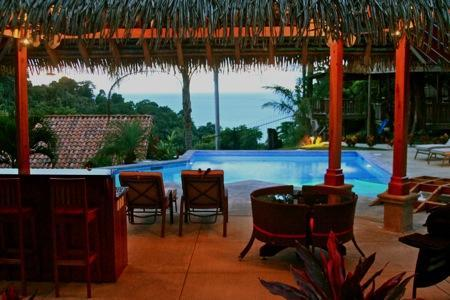 Tiki hut equipped with grill and granite countrertops - New Pool and Tiki Hut! Summer Specials! - Manuel Antonio - rentals