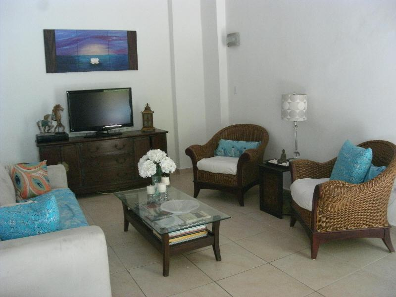 Main living area w/16ft ceilings  - Colonial Bldg- 2Bd LOFT Old SJ w/Private Patios! - San Juan - rentals