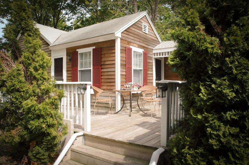 Cottage and secluded deck - 2 Bed/1 Bath w/Jacuzzi Tub Cottage at Cape Cod B&B - Falmouth - rentals