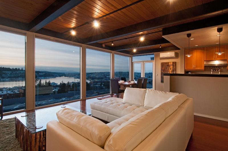 Penthouse Overlooking City, Lake & Mountains - Image 1 - Seattle - rentals