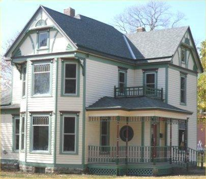 Front/side view - Downey House - Kansas City - rentals