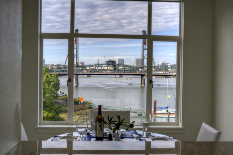Watch the drawbridge go up and down from the kitchen or dining room. - DOWNTOWN light-filled luxury w/ panoramic view - Portland - rentals