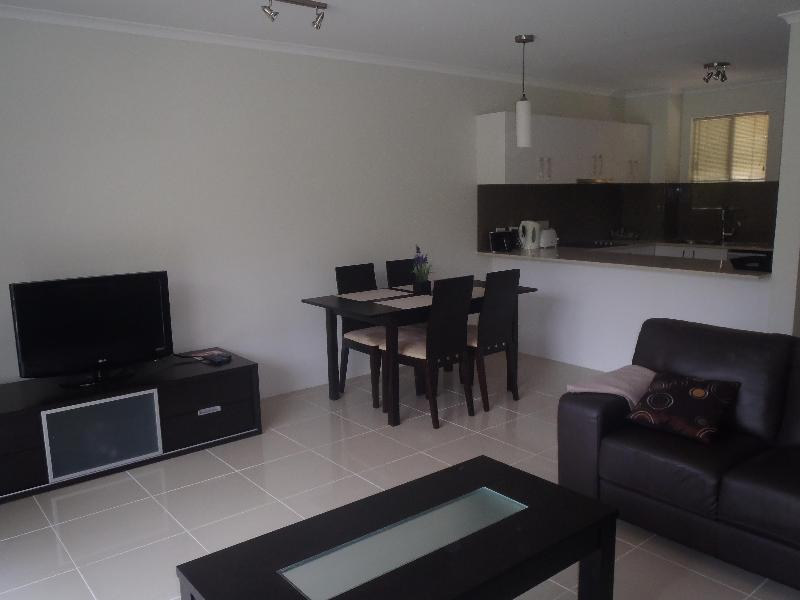 Apartment Lounge/kitchen view - Palm Cove Paradise - Luxurious 2 Bedroom Apartment - Palm Cove - rentals