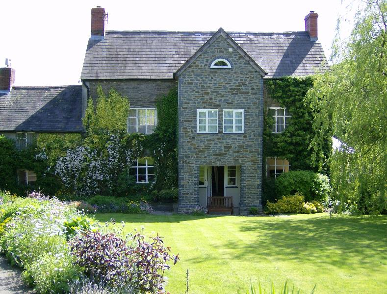 The Old Farmhouse Bed and Breakfast - Image 1 - Clun - rentals
