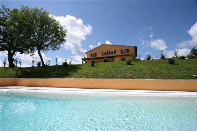 Villa with pool characterized by complete privacy - Image 1 - Acqualagna - rentals
