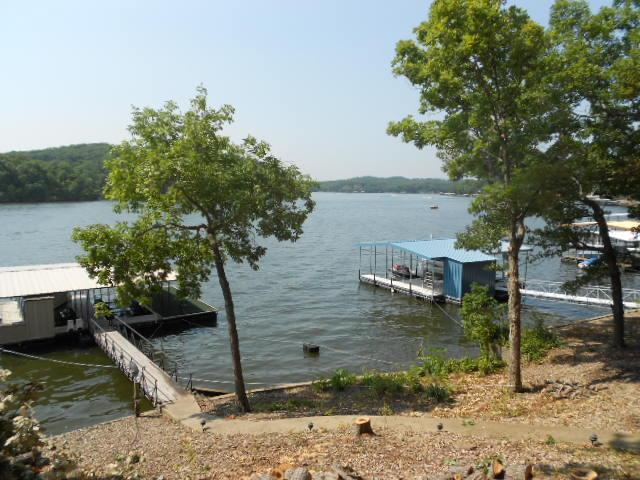 Lakefront Lake House - Image 1 - Lake of the Ozarks - rentals