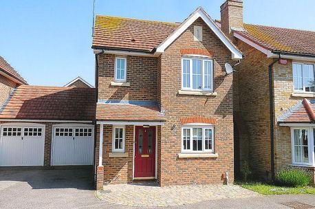 Front view of the house - Three bedroom detached house - Sittingbourne - rentals
