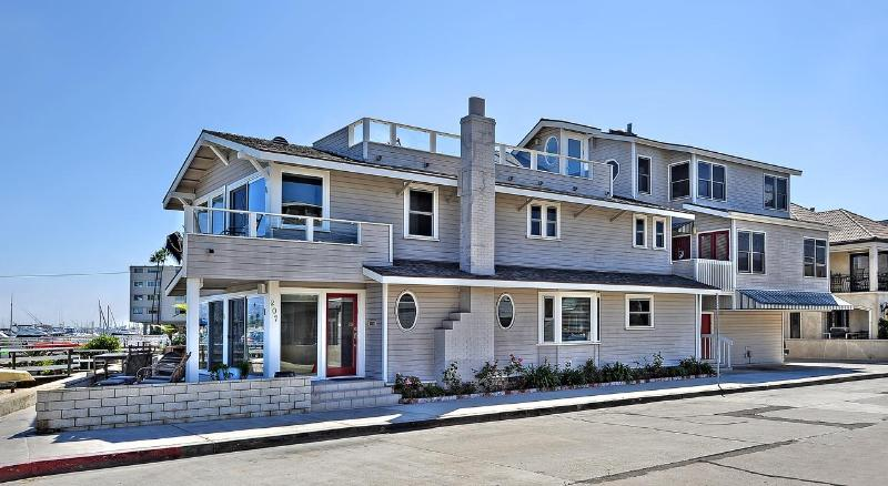 Corner Unit Home - Bayfront - Open floor plan right on the water! - Newport Beach - rentals