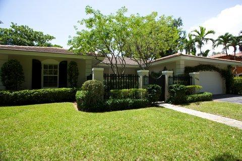 Front of Home - Stunning Coral Gables/ Miami 3 Bedroom Pool Home! - Coral Gables - rentals