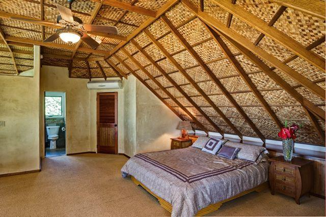Master Bedroom in the loft - The Best North Shore Beach House - Paia - rentals