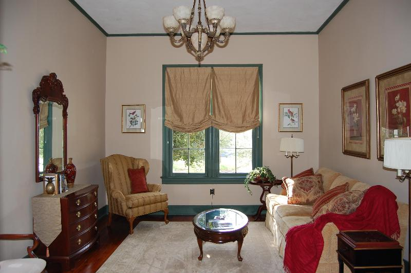 The Dubroca House parlor  - historic home in downtown Baton Rouge - Baton Rouge - rentals