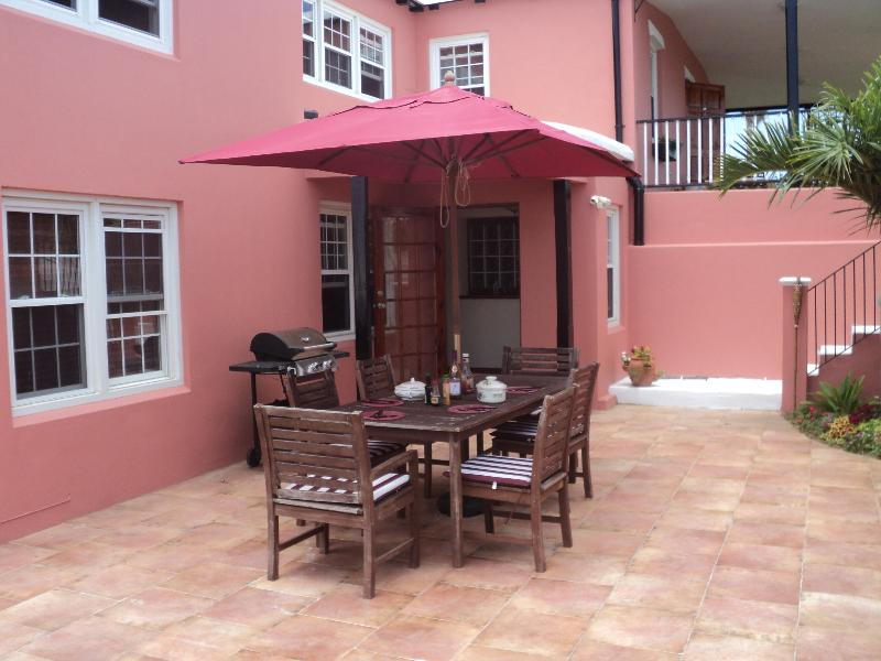 Entrance and guest courtyard - The Corals Bermuda - A lovely B&B Plus! - Somerset Village - rentals
