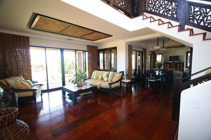 view of living room from front entry doors  - Luxury Estate in Kaanapali! - Kaanapali - rentals