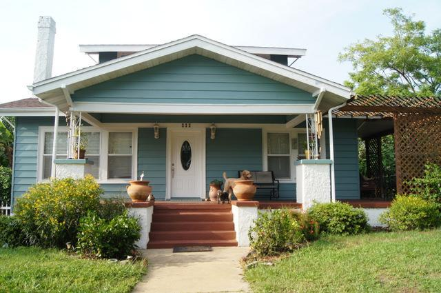 Front view of the house - Find Your Peace in Vintage House with Garden - Tarpon Springs - rentals