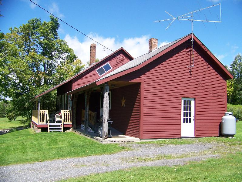 Old Red Farmhouse - Old Red Farmhouse - East Burke - rentals