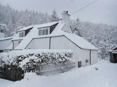 Winter at Riverside Cottage - 3 bedroom cottage close to the shore of Loch Ness - Foyers - rentals