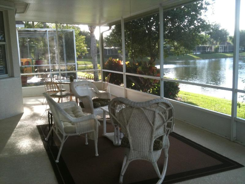 Relax on the lanai - 2 bedroom Bonita villa in gated community - Bonita Springs - rentals