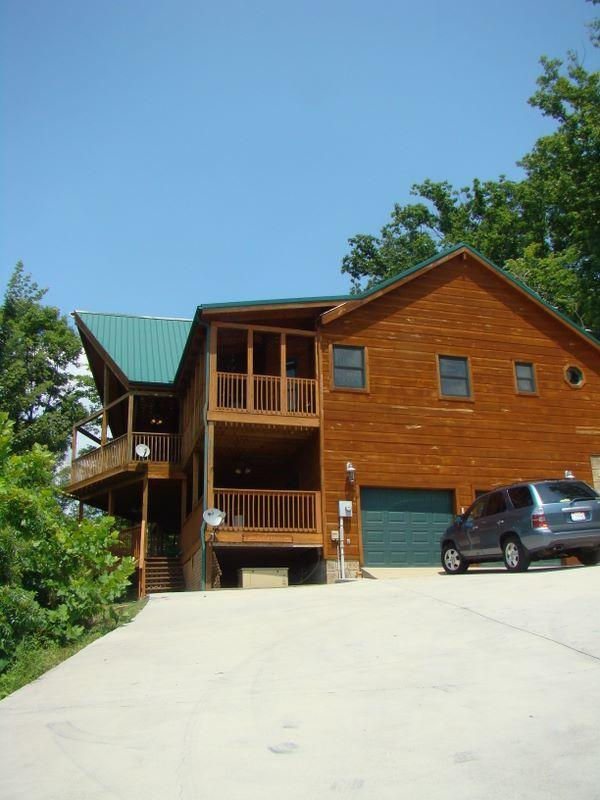 Welcome to 'Blessings' ! - 'Blessings' -3BR +Loft Luxury cabin in the Smokies - Sevierville - rentals
