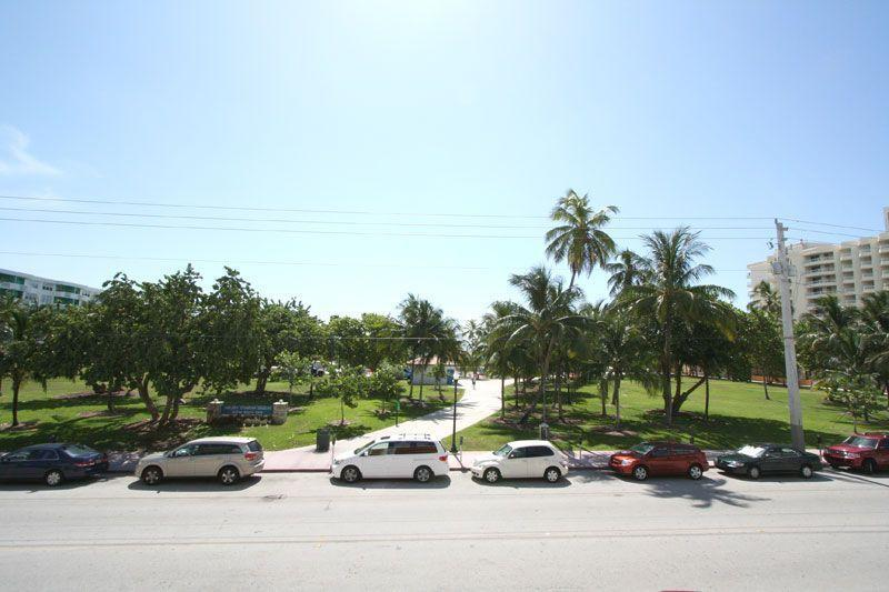 Building faces Beach & Park - STUNNING 3 Bedroom 2.5 Bath Penthouse South Beach - Miami Beach - rentals