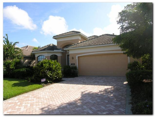 Front of Home - 3 Bedroom 2 Bath pool home lakeview near beaches - Nokomis - rentals