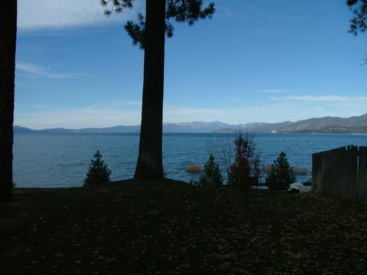 Gorgeous Lake Views from the living room and back yard - Lakefront Classic Cabin - unbeatable views! - South Lake Tahoe - rentals