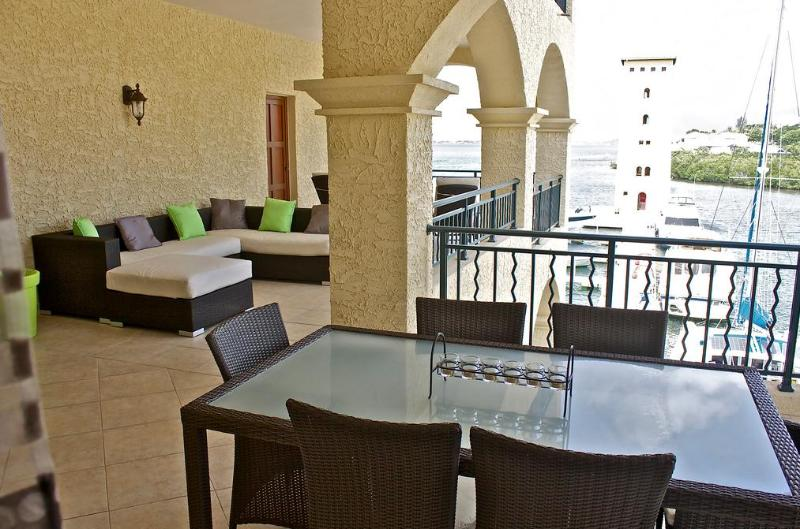 Splendid apartment located Porto Cupecoy Village - Image 1 - Saint Martin-Sint Maarten - rentals