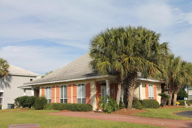 Coastal Blessings, great rates in Emerald Shores - Image 1 - Miramar Beach - rentals