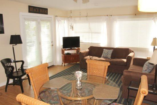 Nicely furnished Condo - 1 Block to the Beach - Image 1 - Myrtle Beach - rentals