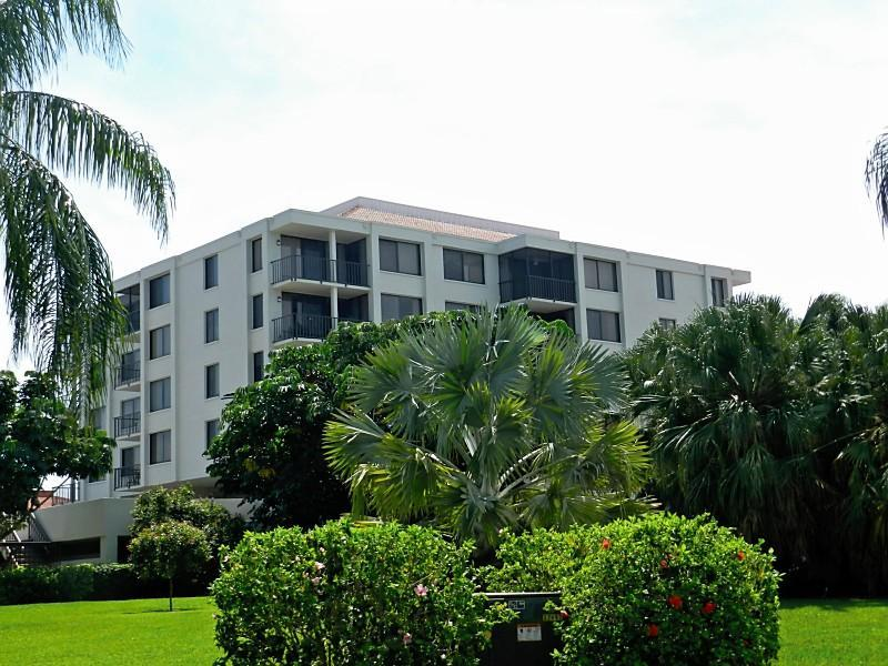 Waterview 4th Floor on Boca Ciega Bay ISLA DEL SOL - Image 1 - Saint Petersburg - rentals
