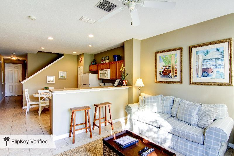 Townhouse with 3 bedrooms and 3 bathrooms - Image 1 - Kissimmee - rentals
