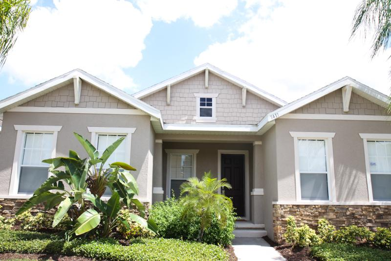 Luxury Resort with 3 bed, 2.5 bath and pool - Image 1 - Kissimmee - rentals