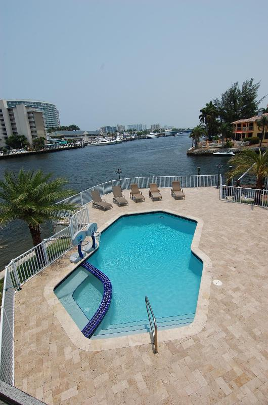 Waterfront 5 Bedroom 5 Bath Beauty@ Harbor Point - Image 1 - Fort Lauderdale - rentals