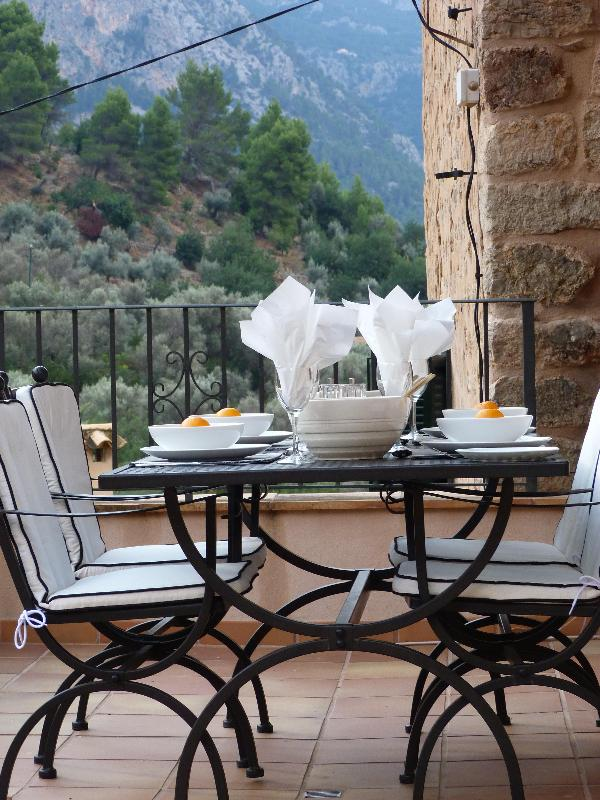 The front terrace dining al fresco - 2 bedroom luxury apartment in Majorca - Fornalutx - rentals