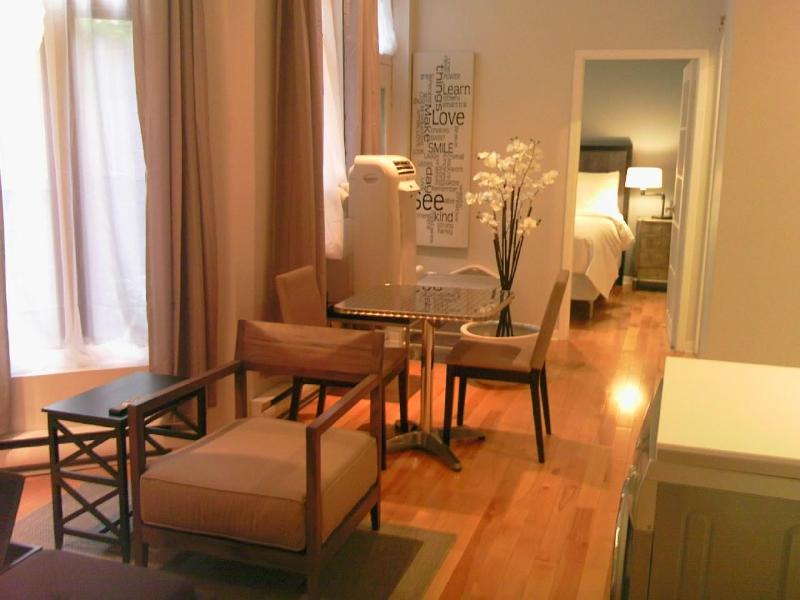 Centrino Main Area - PRIME LOCATION! 1 bedroom Hotel Chic Style apt. - Montreal - rentals