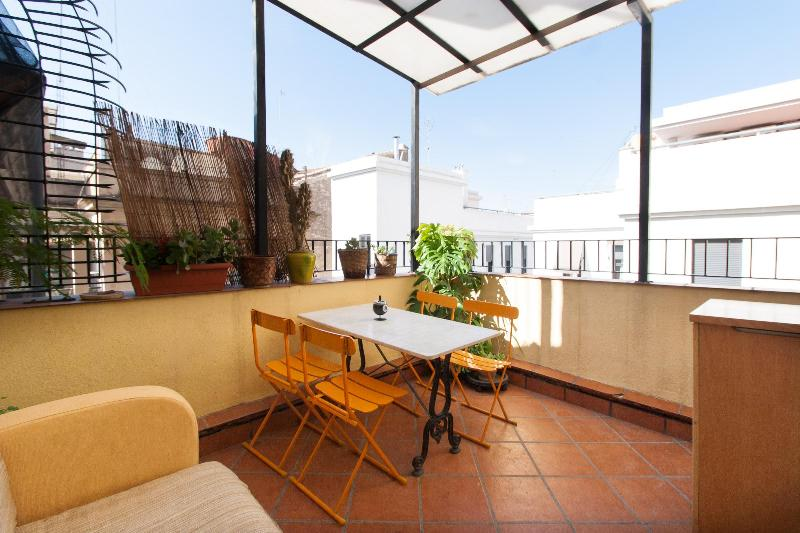 3 bedroom-terrace apartm at heart of Valencia Wifi - Image 1 - Valencia - rentals