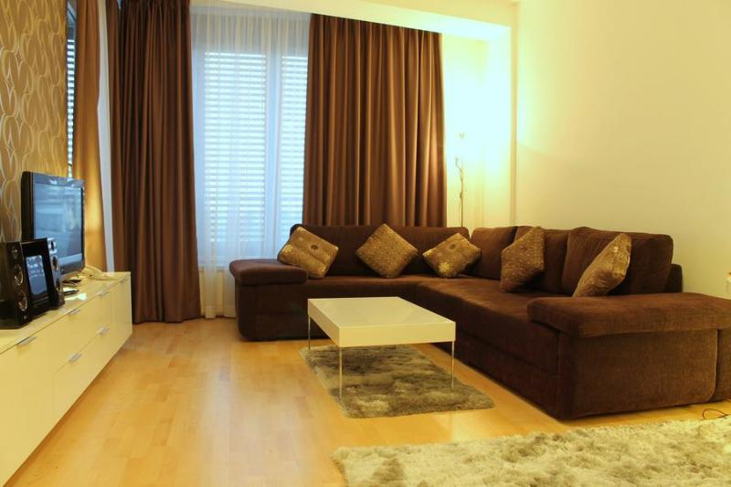 EXCELLENT APARTMENT IN A NEW BUILDING WITH GARAGE - Image 1 - Belgrade - rentals