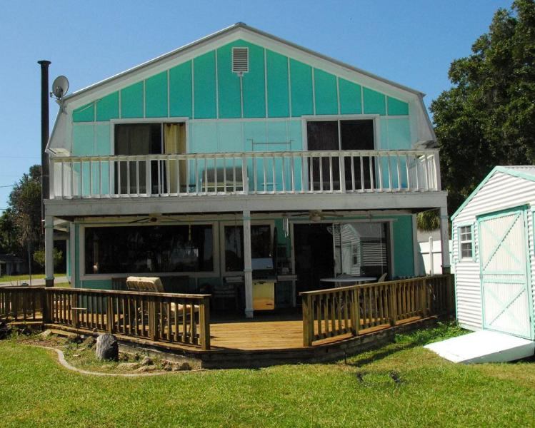Decks for both Master Bedrooms - FLORIDA LAKEFRONT with a dock for your boat - Floral City - rentals